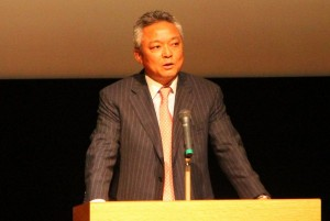 浦和レッズサポーターの人種差別問題について 神奈川新聞「紙面拝見」コーナー4月13日掲載